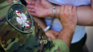 Арестуваха българи с фалшиви негативни тестове за COVID-19 в Полша