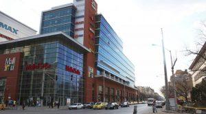 Собственикът на 3 мола у нас прави най-голямата имотна сделка в Източна Европа