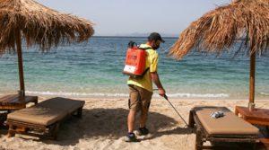 Учениците в Гърция отново в клас, но след тест