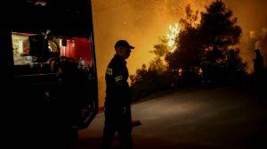 Евакуираха села и манастири в Гърция заради голям пожар (Видео)