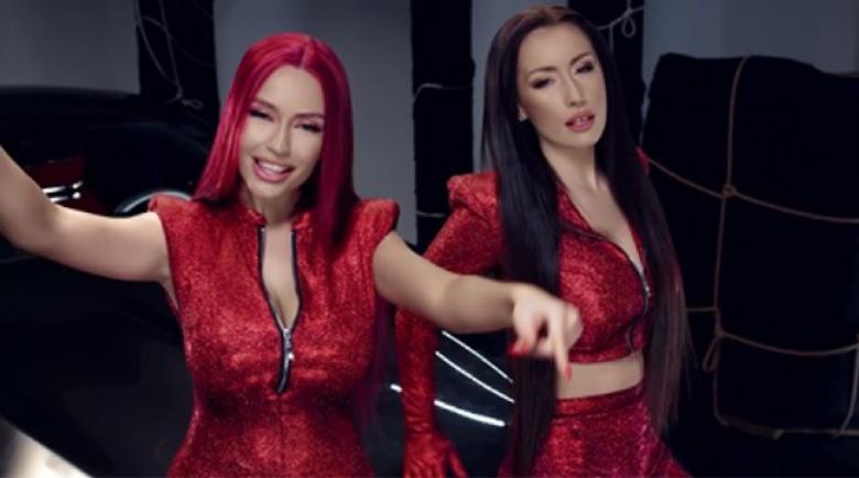 Тита избухва в песен с Джена (Видео)