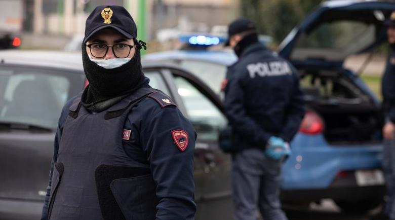 Апаши не успяха да оберат камион край Болоня, разцепиха Италия на две