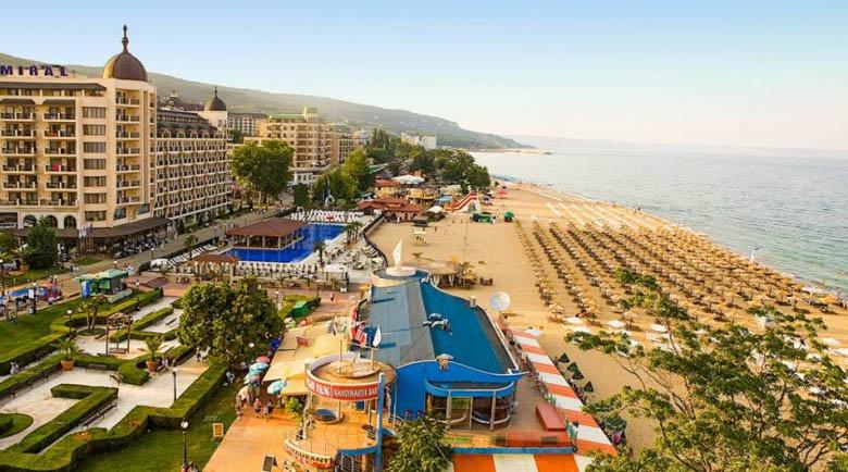 Румънски, чешки и полски туристи пристигнаха на Златни пясъци