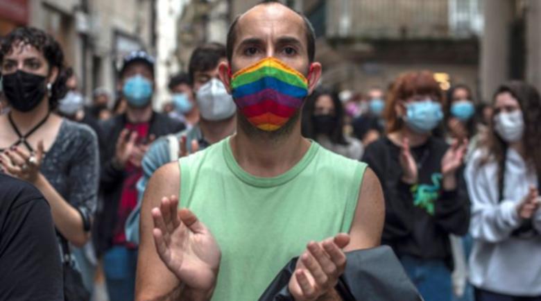 Хиляди излязоха по улиците на Испания след хомофобско убийство
