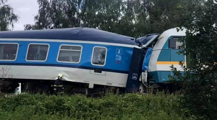 Смъртоносна влакова катастрофа в Чехия