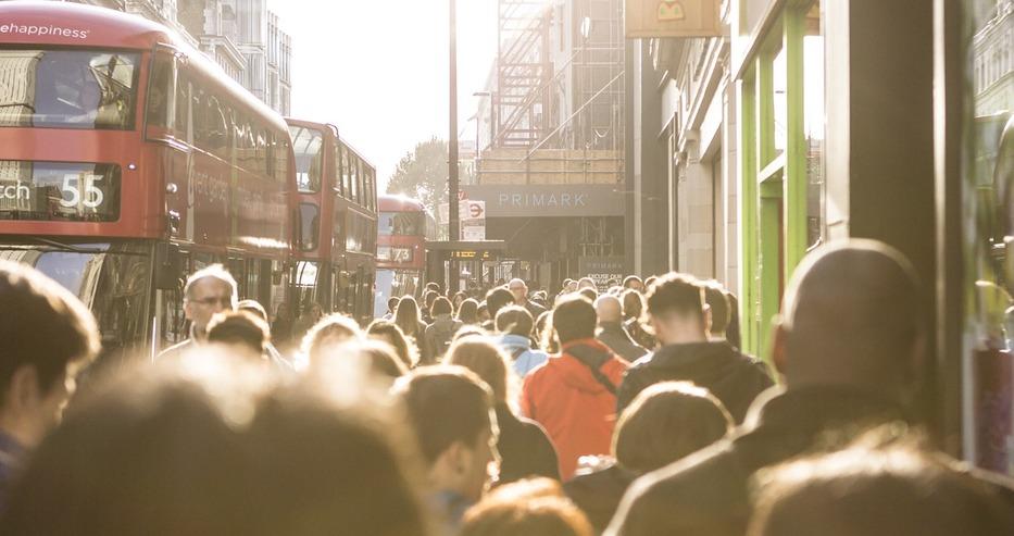 Великобритания се отказва от килограма и връща фунтовете и унциите