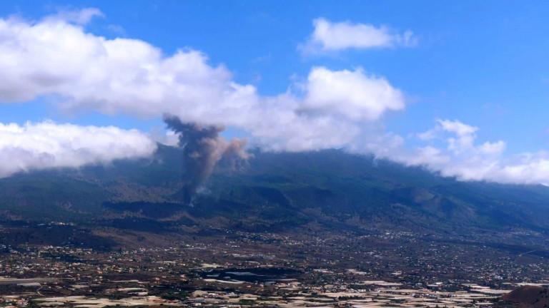 Изригналият вулкан на Канарските острови се стича към селата