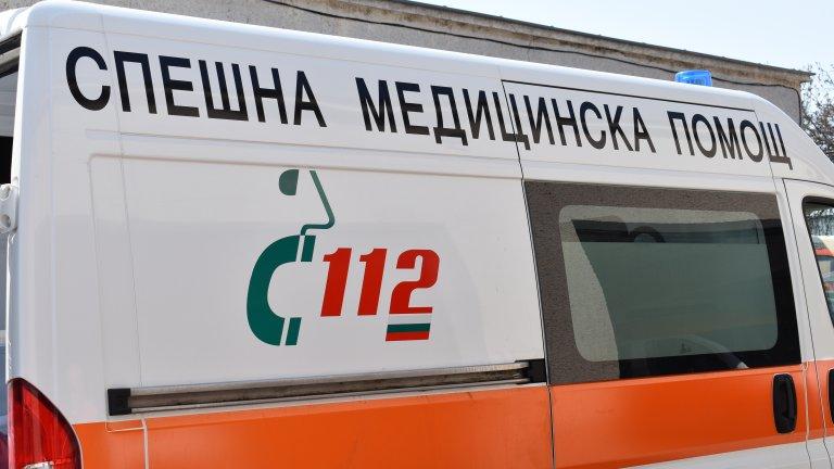 Микробус с мигранти катастрофира между селата Веселие и Ясна поляна