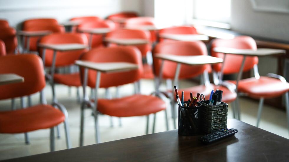 Училище в Пловдив вече е изцяло на онлайн обучение заради заболели от COVID-19