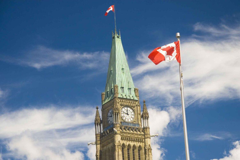 Задължителна ваксинация за канадските депутати