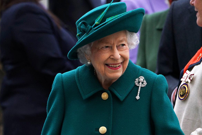 """Кралица Елизабет не прие да бъде удостоена с наградата """"Възрастен човек на годината"""""""